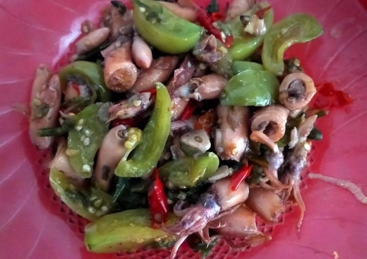 Cumi Asin Cabe ijo dan tomat ijo - cookandrecipe.com