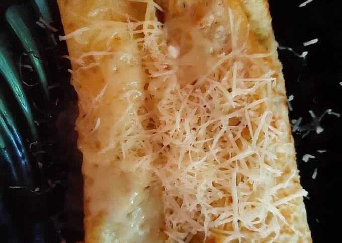 Zucchini pancakes with cheese