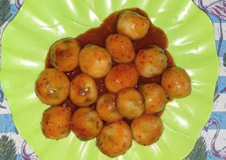 Cilok isi (keju, telur puyuh, dan daging cincang)