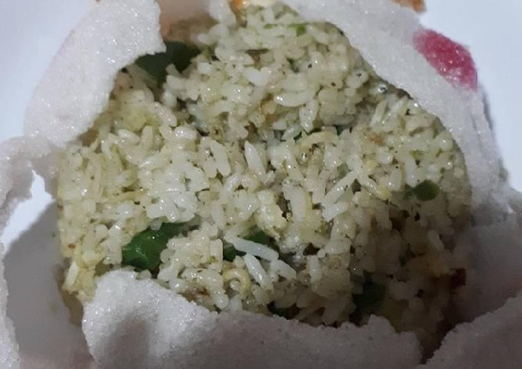 Nasi goreng teri cabe hijau