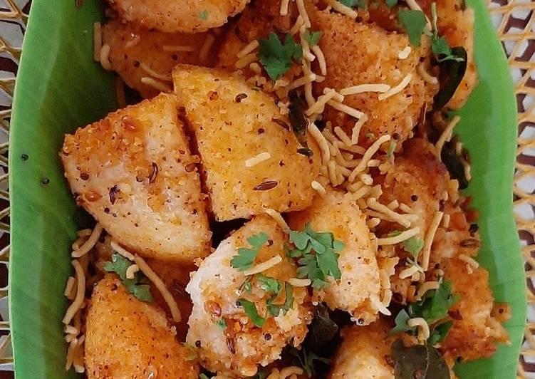 5 Minute Easiest Way to Prepare Winter Stir-Fried Masala Idli