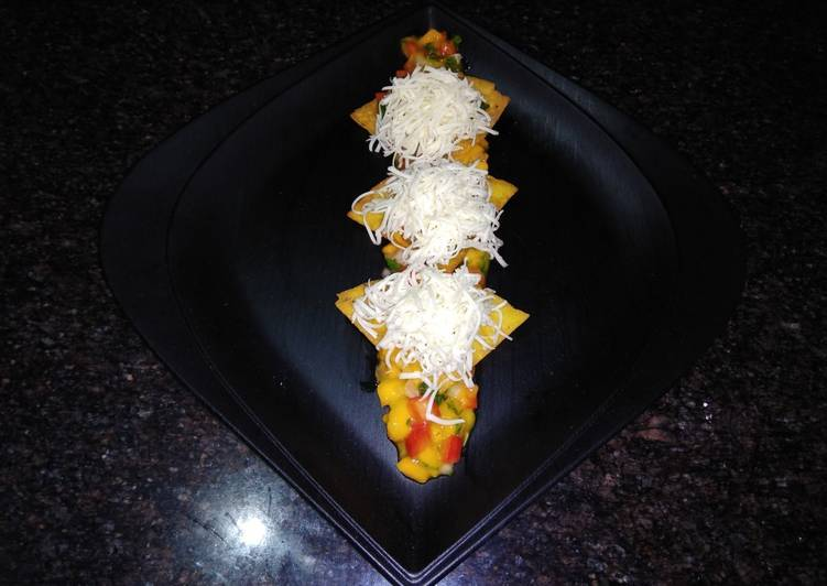 Recipe of Award-winning Raw Mango Nachos with Ripe Mango Salsa