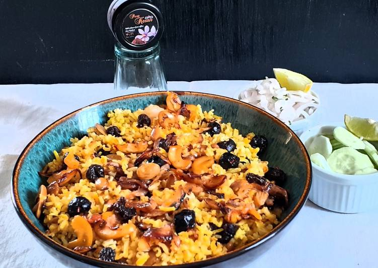 Step-by-Step Guide to Make Award-winning Nuts and berry pulao with brown rice
