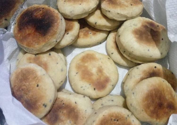 Simple Way to Prepare Favorite Mini Cumin Seed Bread