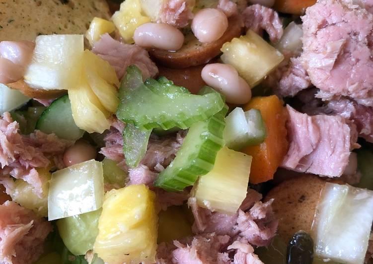 Recipe of Speedy 3P (Pineapple, Paprika, Peach) Salad