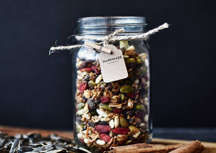 How to Make Ultimate Homemade Trail Mix