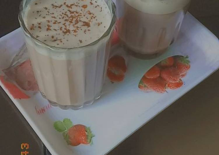 Hot chocolates Milkshake with two ingredients