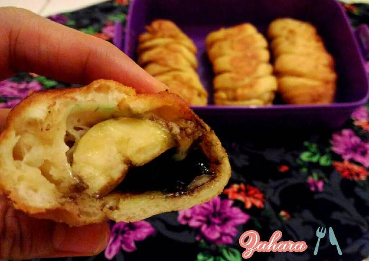 Roti Kepang Isi Pisang Coklat Keju