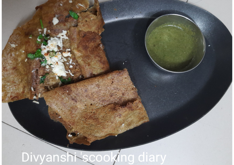 Paneer cheese stuffed Green moong dal chilla