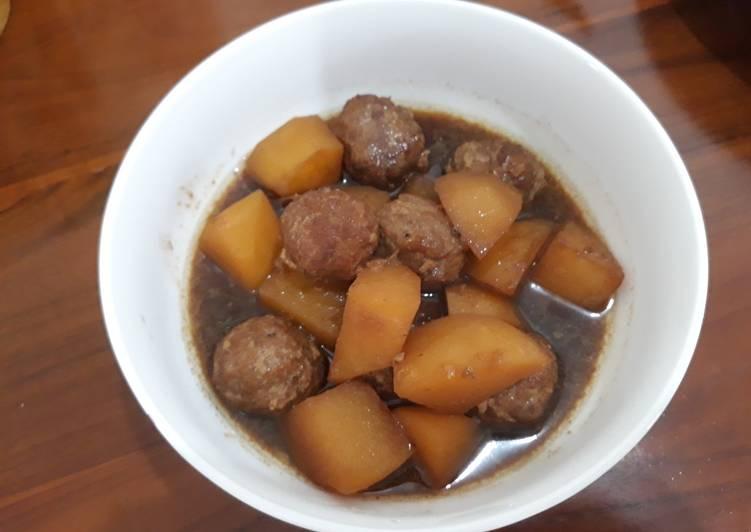 Semur bola-bola daging & kentang