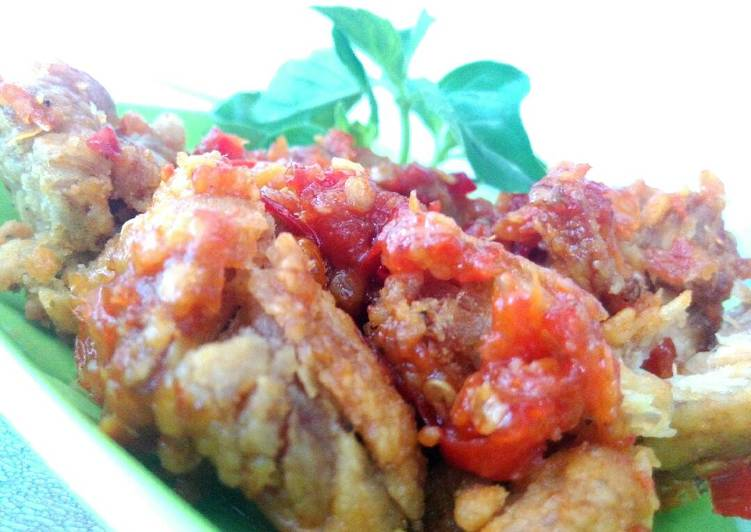 28. Ayam Geprek Hot Crispy