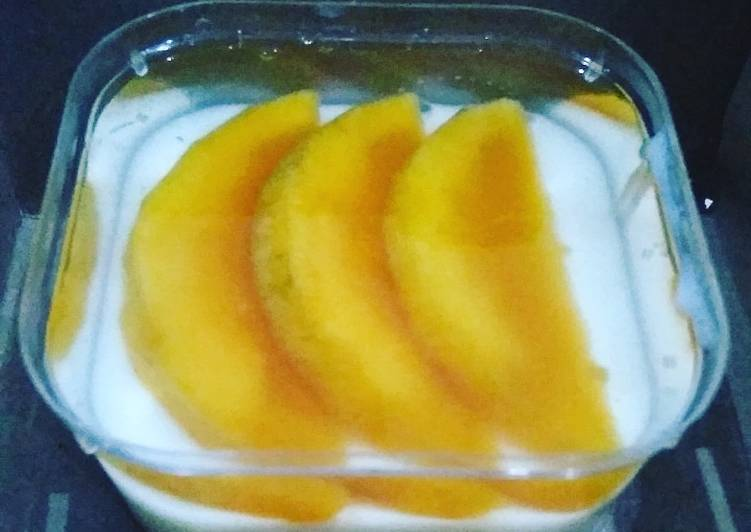 Silky puding buah
