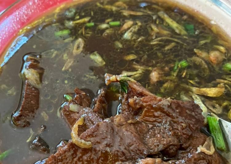 Rawon daging sapi empuk