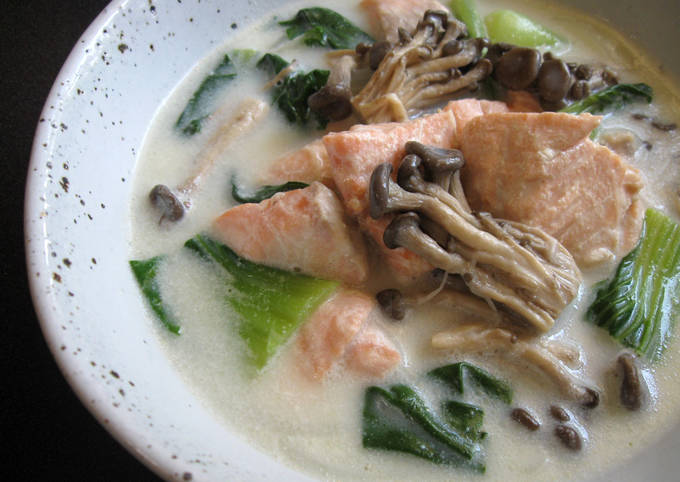 Healthy Salmon & Bok Choy Creamy Soup