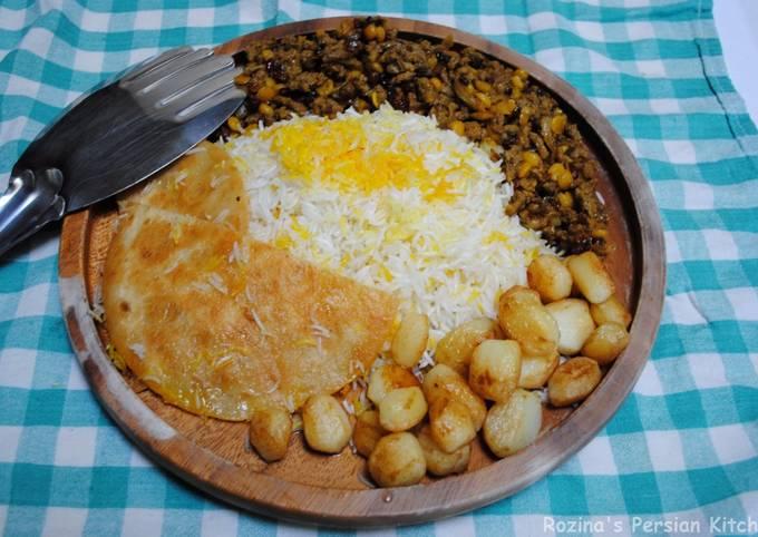 Ground beef Gheymeh with barberries (khoresh Gheymeh BA Zereshk)