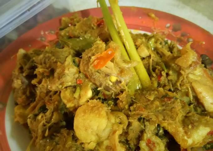 Rica-rica ayam pedas serat Laos