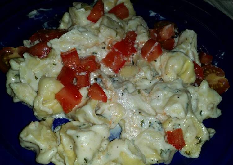 Recipe of Perfect Tortellini with homemade alfredo garlic sauce