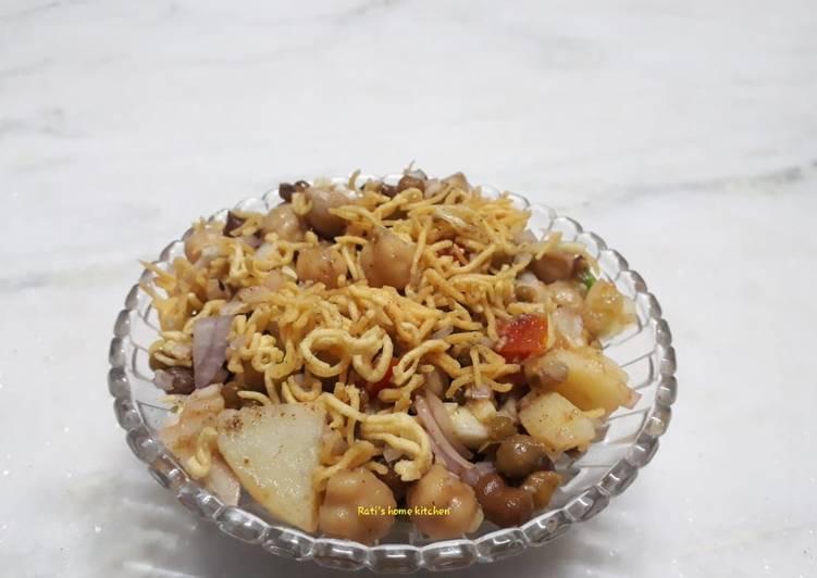 Hearty Comfort Dinner Ideas Favorite Mixed chana chaat