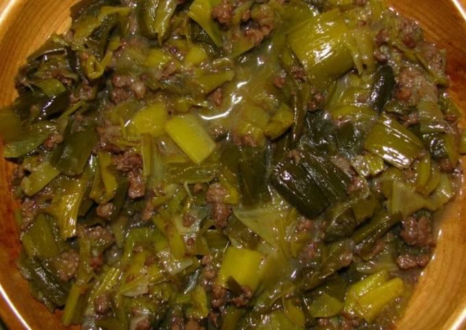 Simple Way to Make Homemade Kurrat (leek stew)