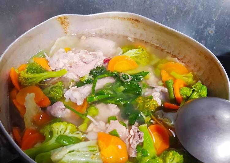 Resep Sayur Sop ayam warna warni Yang Gampang Enak