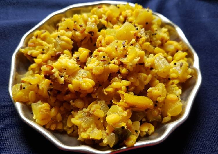 15 Minute Recipe of Homemade Bottlegourd moong dal Poriyal/ Stir-fry