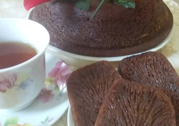 resep menyajikan Bolu Karamel Sarmut - Sajian Dapur Bunda