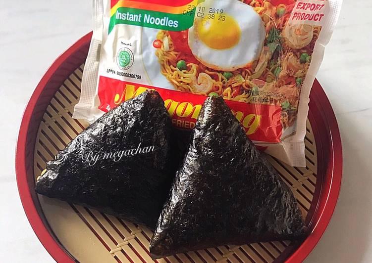 Resep Onigiri Indomie Berburucelemekemas Resolusi2019 Oleh Memey Kitchen Cookpad