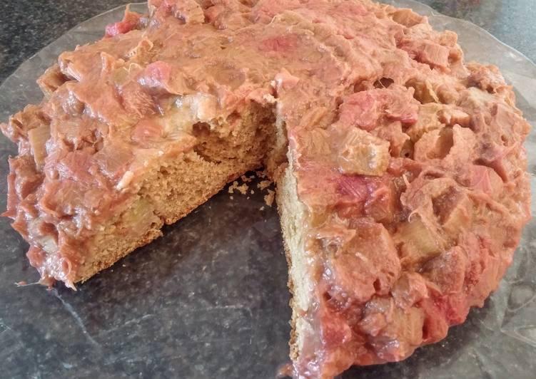Gâteau renversé à la rhubarbe (vegan)