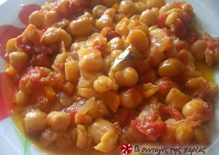 Chickpeas cooked in a terracotta casserole dish