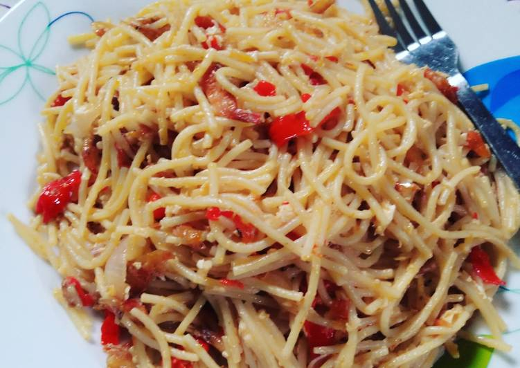 Recipe of Quick Spaghetti with crayfish and egg