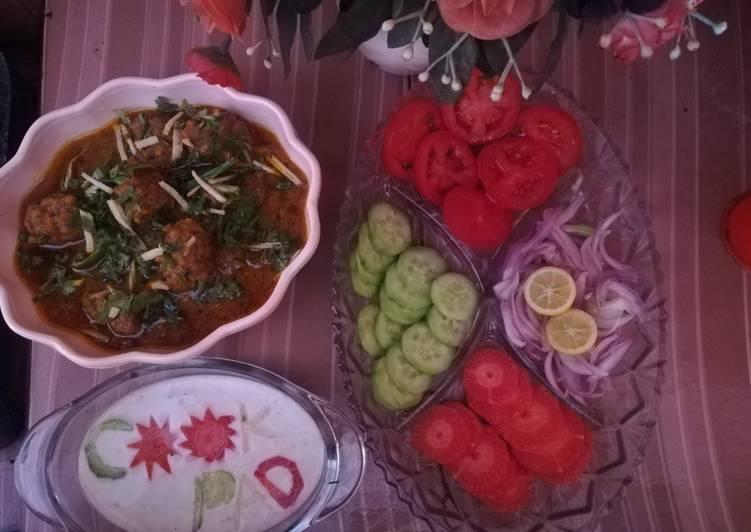 Get Breakfast of Kofta curry