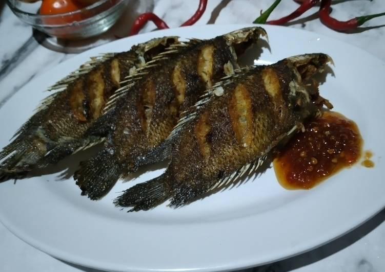 Ikan Papuyu Goreng