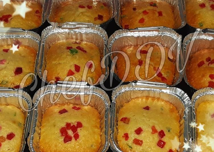Recipe of Ultimate Christmas dry fruit tutti fruity cup cakes