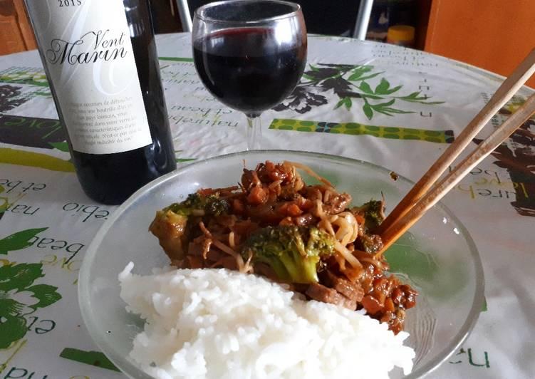 Boeuf sauté à la sauce Teriyaki et légumes