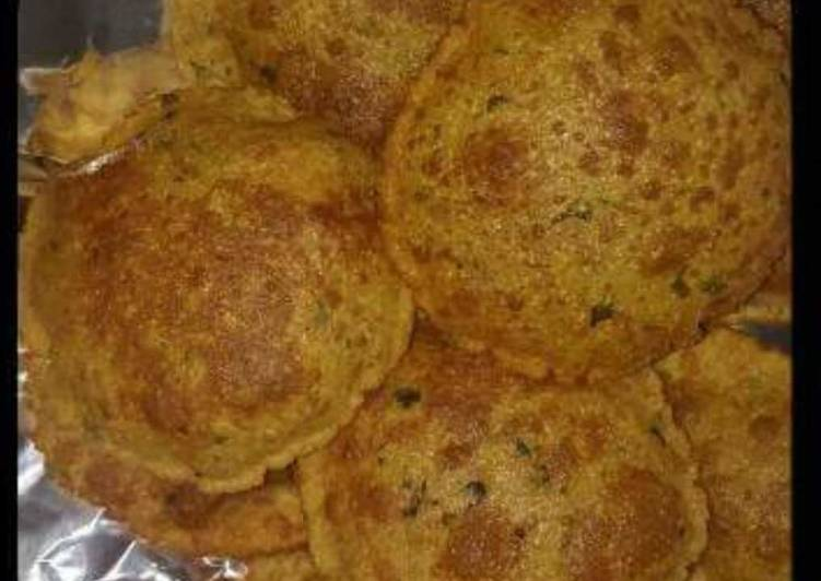 Steps to Make Favorite Besan Wheatflour Rava & Kasurimaithi ki Spicy Puri