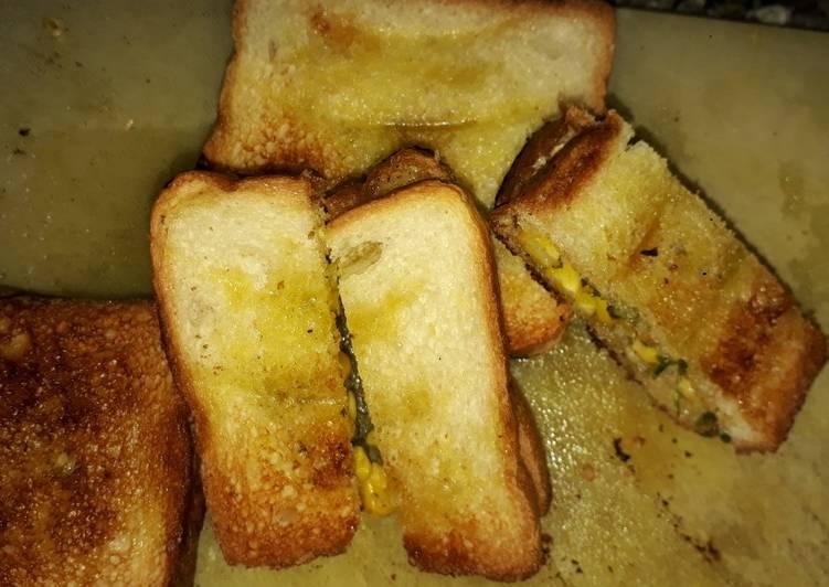 Corn garlic bread