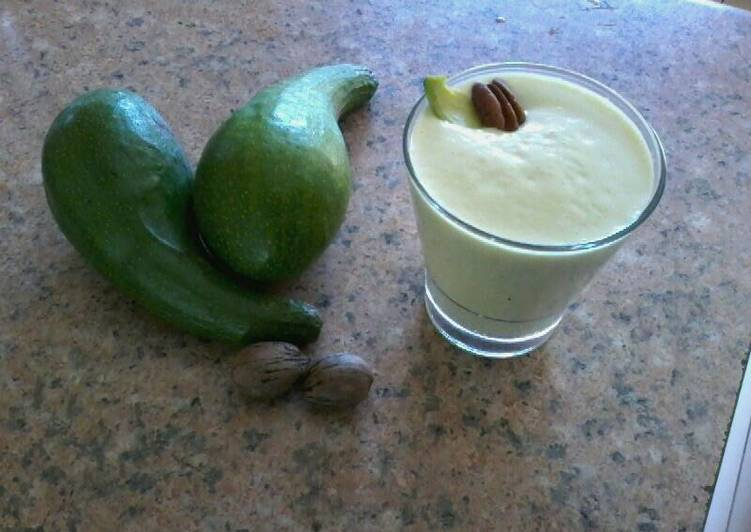 Recipe of Any-night-of-the-week Avocado and Pecan Nut Smoothie