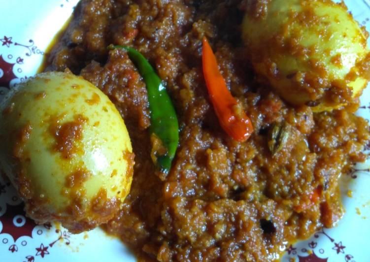 Recipe of Award-winning Dim posto dum(egg with poppy seeds paste)