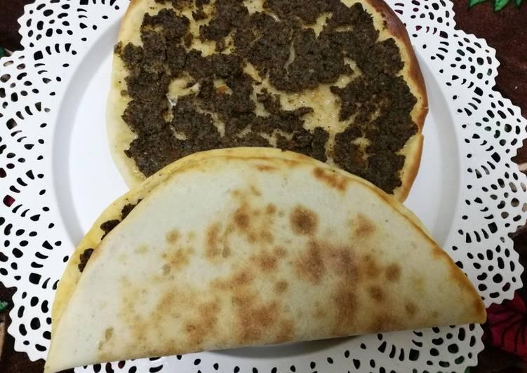 Turkish pizza (lahm bi_Ajin)
