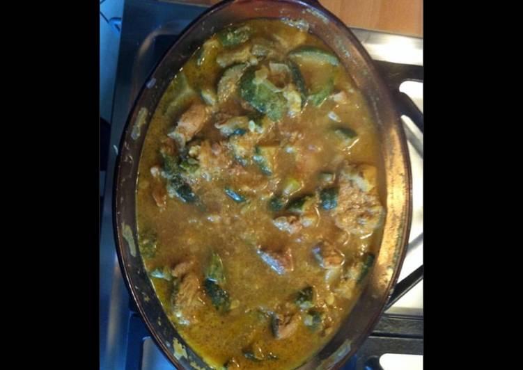 La Meilleur Recette De Sauté de porc aux courgettes et curry