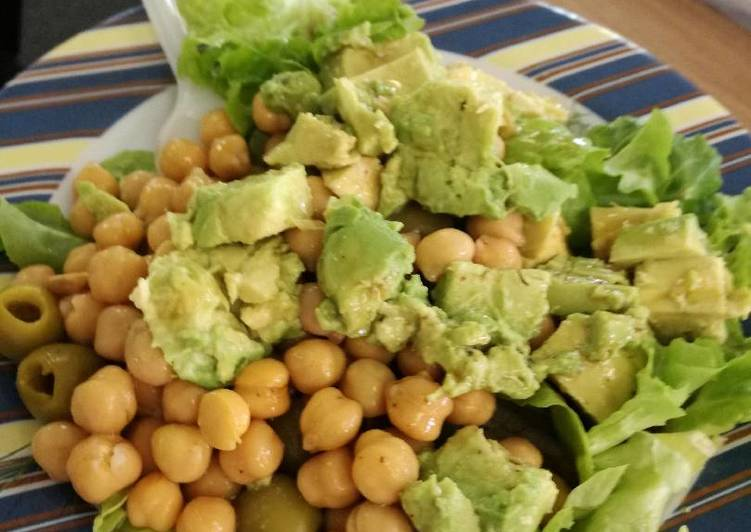 Step-by-Step Guide to Make Quick Healthy vegan chickpea salad