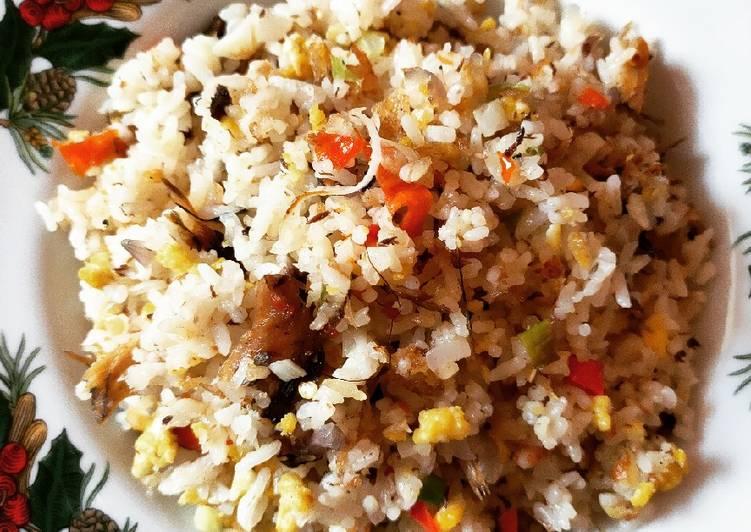 Nasi goreng ikan pindang
