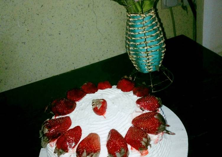 Easiest Way to Make Most Popular Whipped cream frosting with strawberry