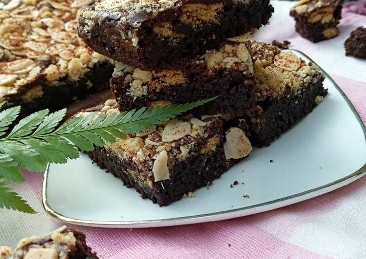 Fudgy Brownies (with almond crumble)