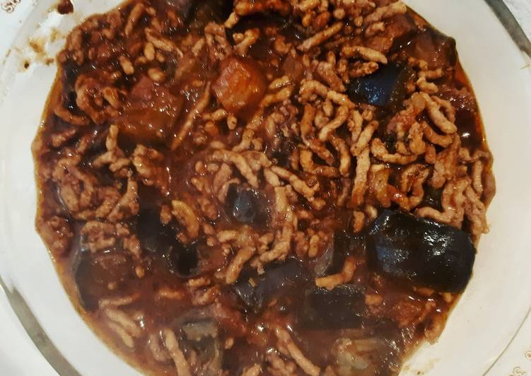 Recipe: Tasty Eggplant and Minced meat in choco-tomatoe sauce