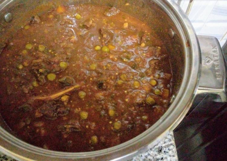 Steps to Prepare Any-night-of-the-week Beef stew with graden peas