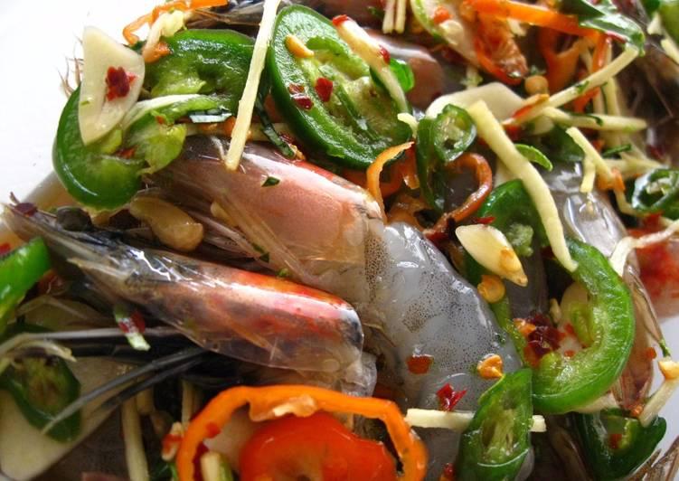 Recipe of Simple Thai-Korean Inspired Preserved Shrimp (Gejang Style Koong Chae Nam Pla)