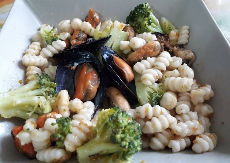 Recipe: Perfect Malloreddus con broccoli, cozze e bottarga di muggine