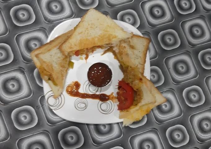 Grilled spicy potato sandwich
