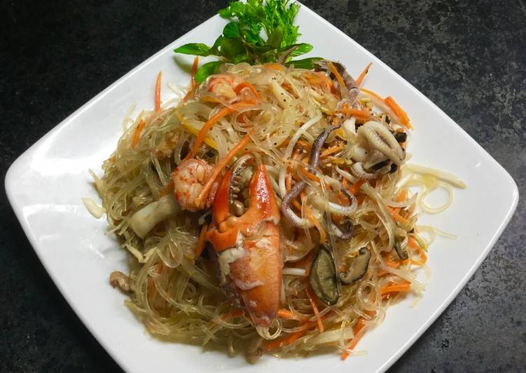 Cach Lam Mon Miến Xao Hải Sản Của Thế Vy Cookpad